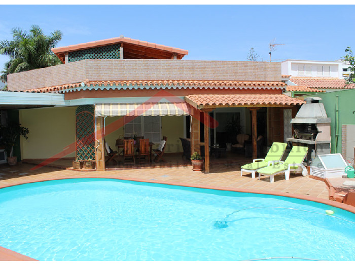bungalow in playa del ingles auf gran canaria mit canarias immobilien. Black Bedroom Furniture Sets. Home Design Ideas
